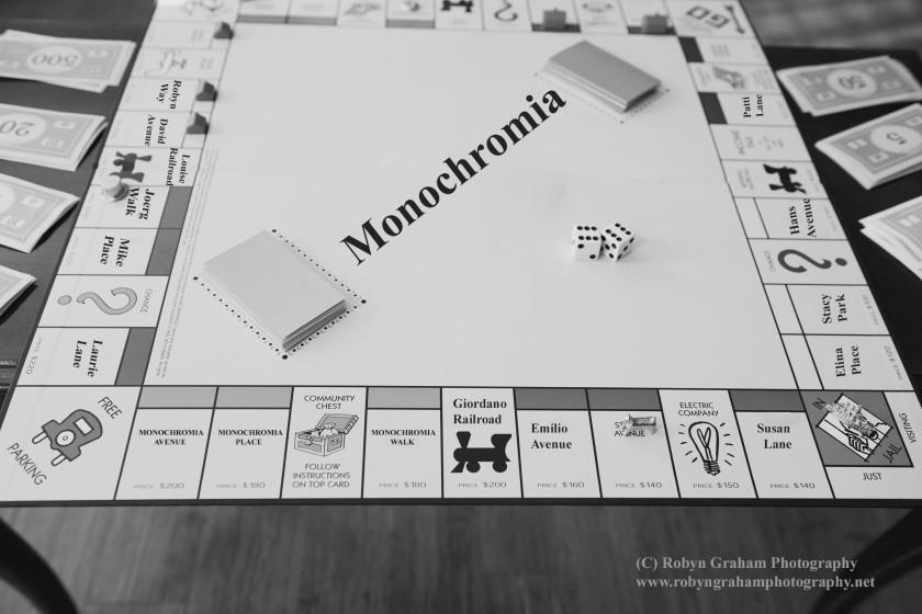 Monochromania Monopoly