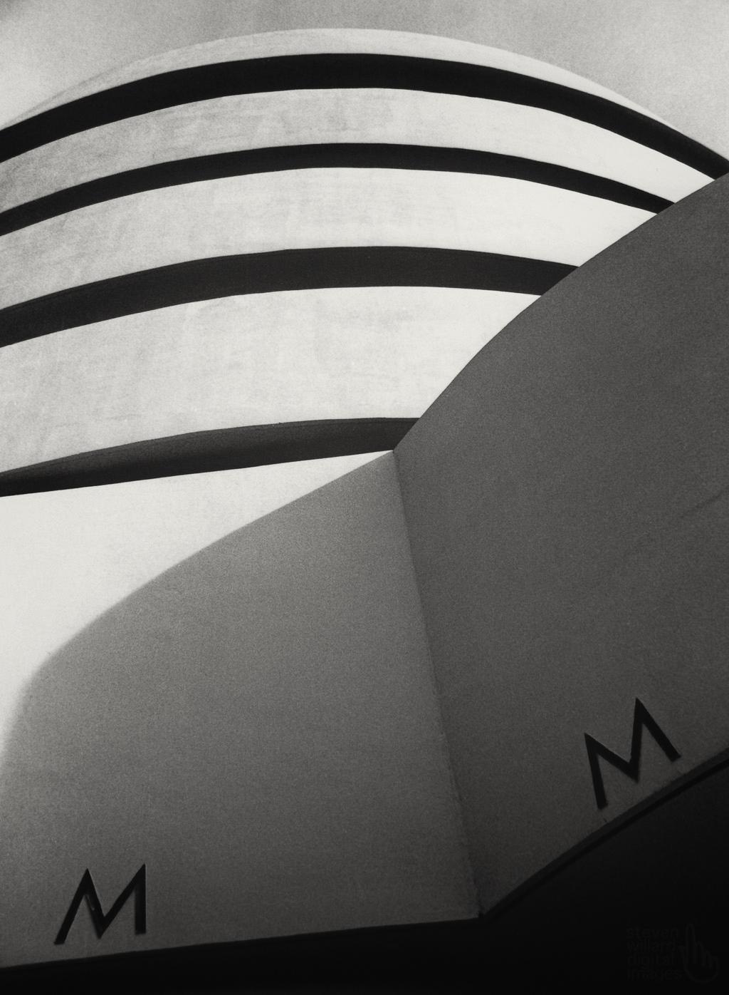Guggenheim Museum, NYC, 1972 © Steven Willard