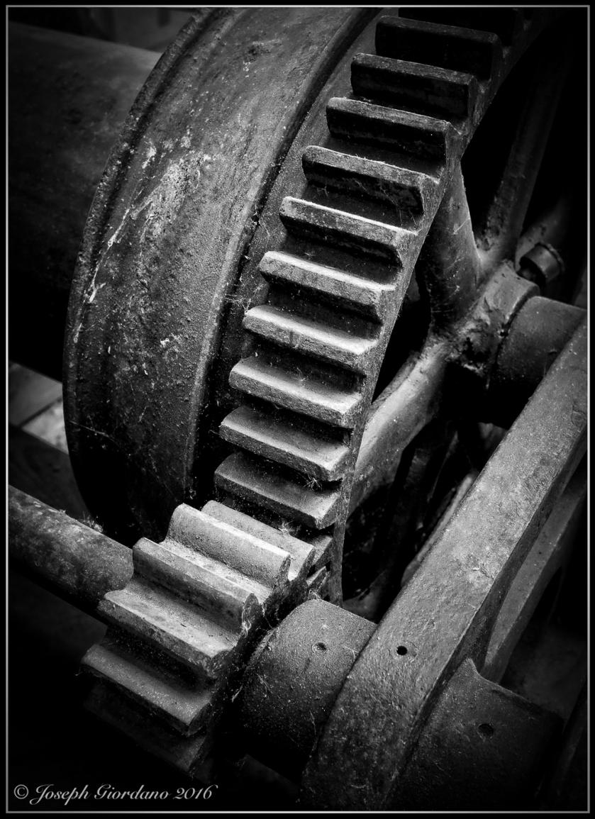 Gears-BW