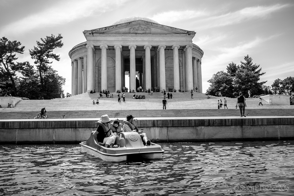 Paddleboaters on Tidal Basin in front of Jefferson Memorial