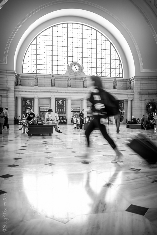 Union Station DC running traveler