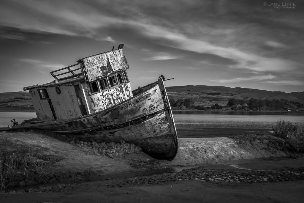 Shipwreck, Photography, Black and White, Monochrome