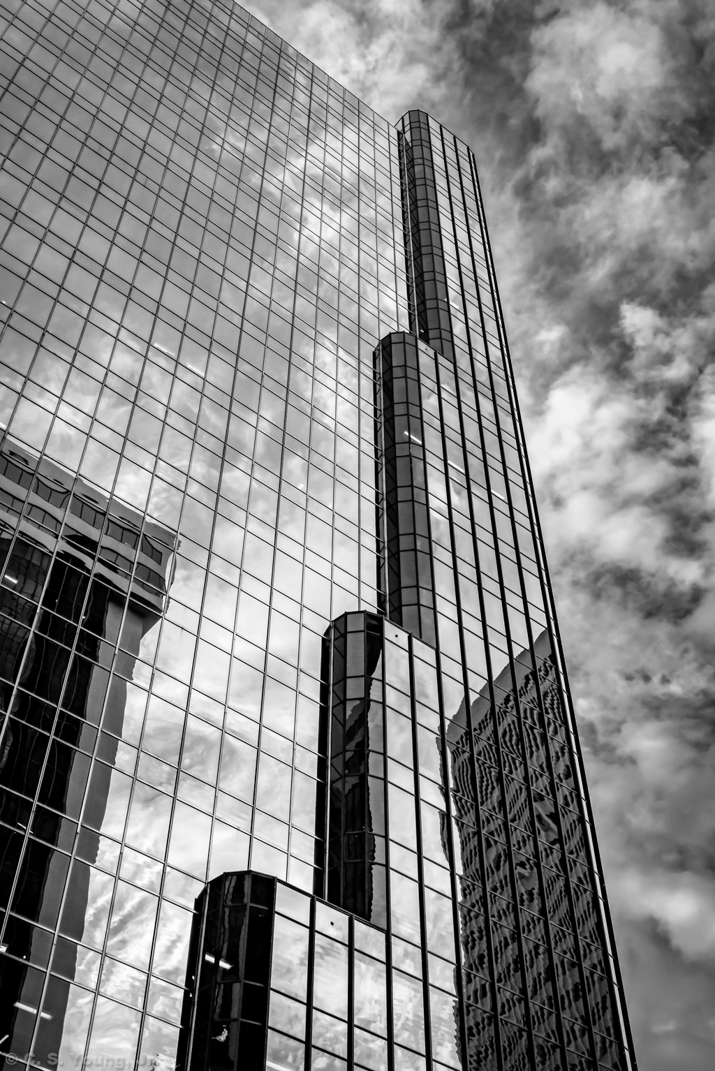 Charlotte Plaza Building Abstract